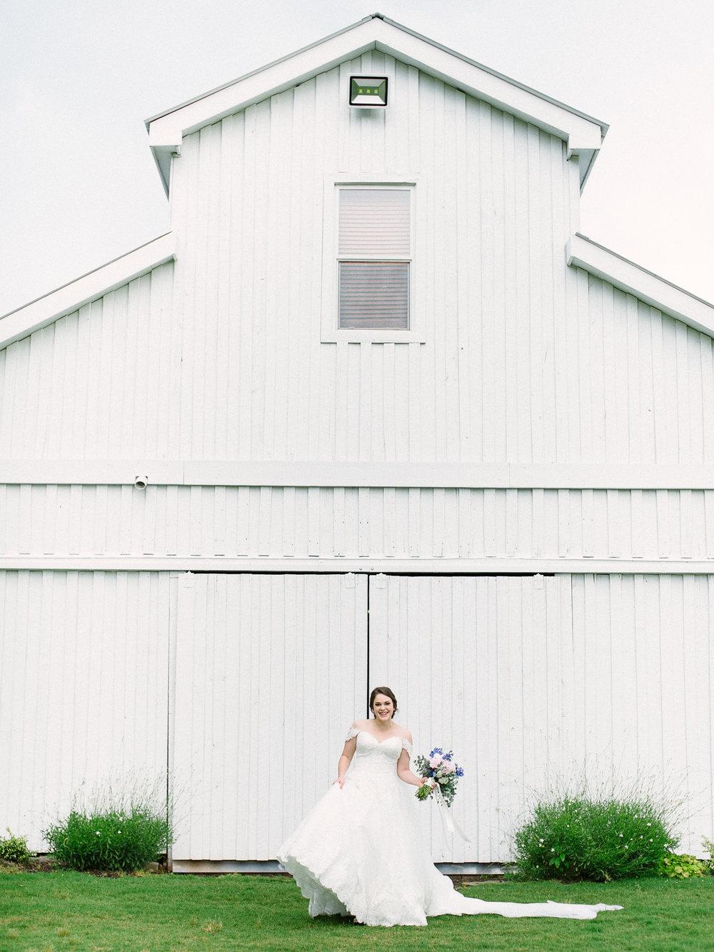 barn-at-tatum-acres-wedding-jasper-atlanta-wedding-photographer-fine-art-film-hannah-forsberg15.JPG