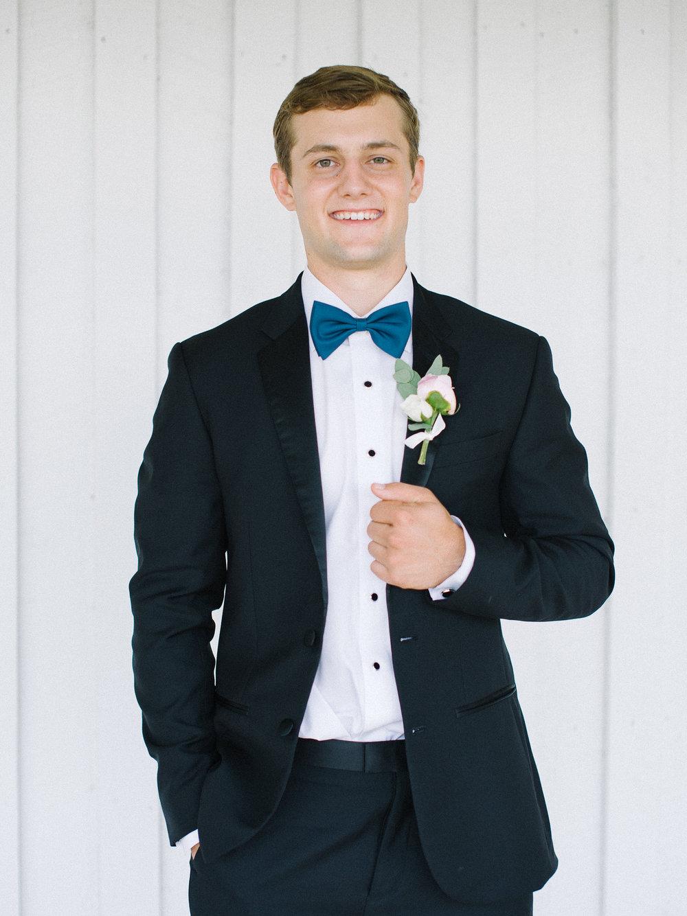 barn-at-tatum-acres-wedding-jasper-atlanta-wedding-photographer-fine-art-film-hannah-forsberg19.JPG