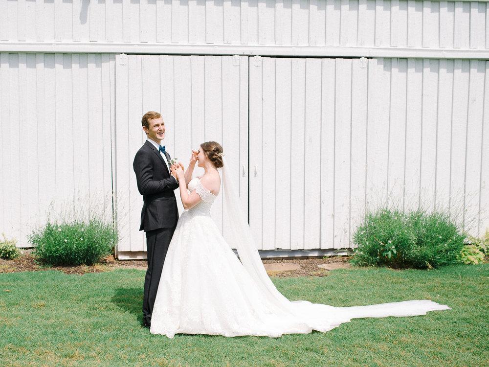 barn-at-tatum-acres-wedding-jasper-atlanta-wedding-photographer-fine-art-film-hannah-forsberg21.JPG