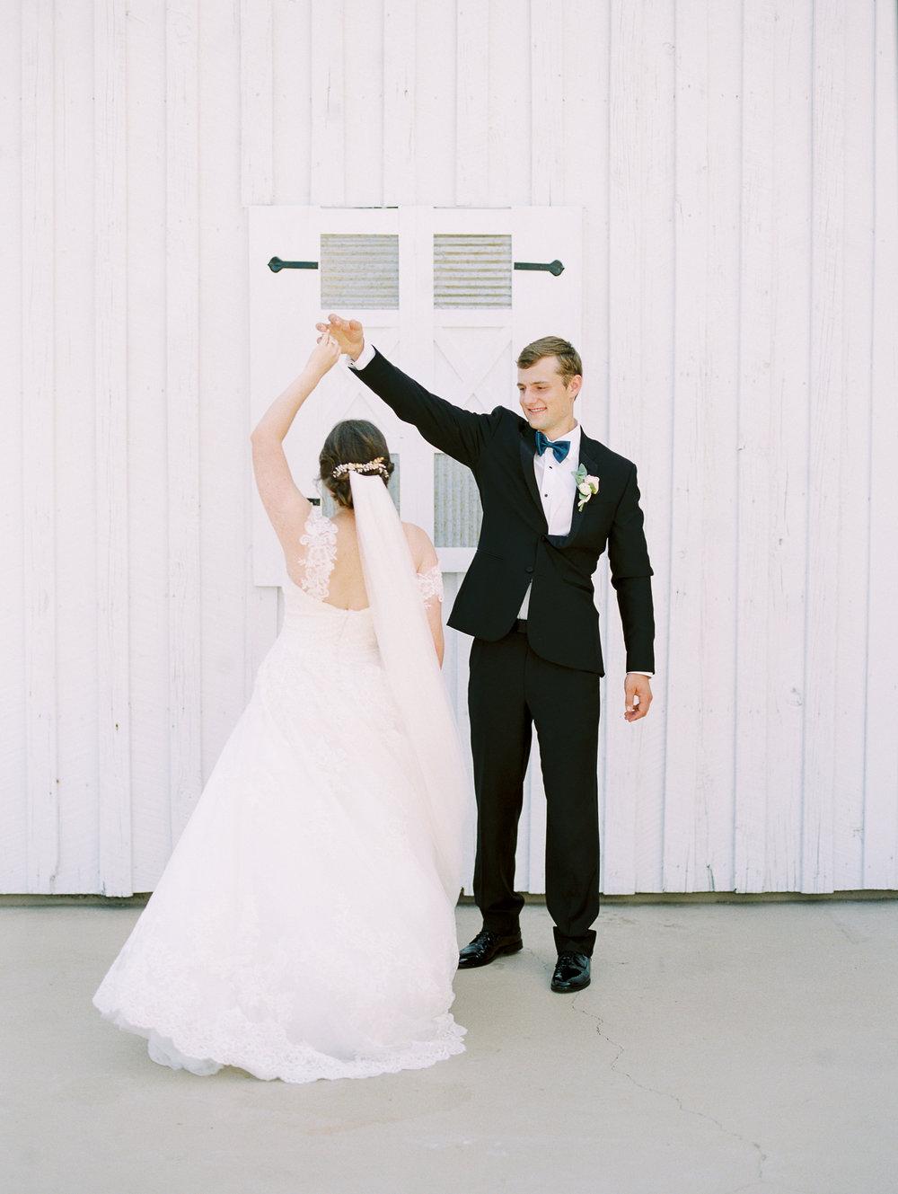 barn-at-tatum-acres-wedding-jasper-atlanta-wedding-photographer-fine-art-film-hannah-forsberg26.JPG