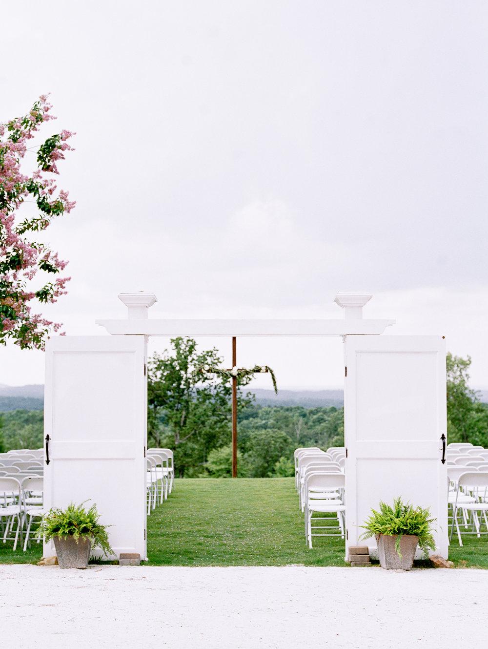 barn-at-tatum-acres-wedding-jasper-atlanta-wedding-photographer-fine-art-film-hannah-forsberg28.JPG