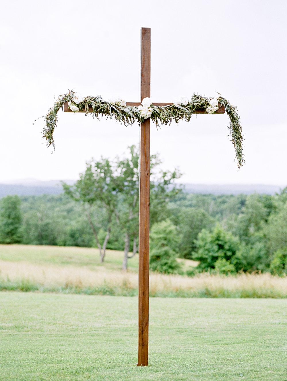 barn-at-tatum-acres-wedding-jasper-atlanta-wedding-photographer-fine-art-film-hannah-forsberg29.JPG