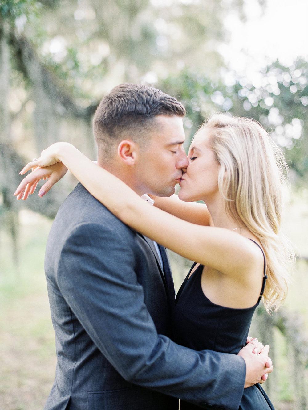 hannah-tommy-wormsloe-historic-site-engagement-photos-hannah-forsberg-atlanta-wedding-photographer-5.jpg