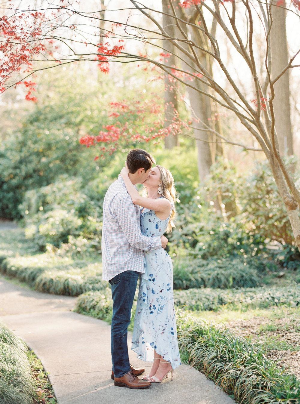 hannah forsberg atlanta wedding photographer cator woolford gardens engagement pictures14.JPG
