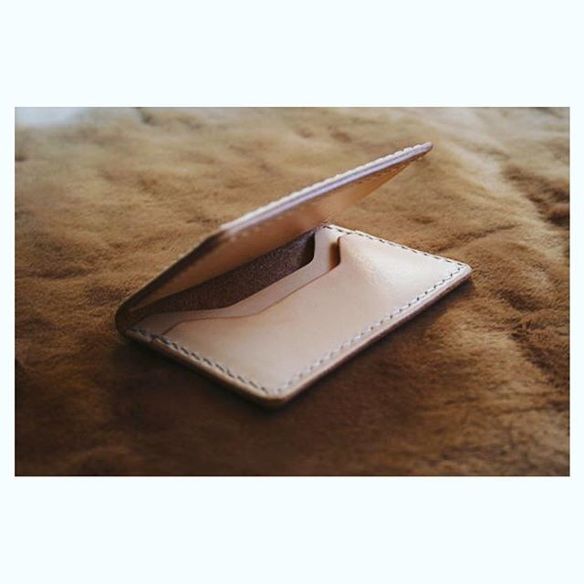 Commission for slim natural vag tan wallet 👍🏻