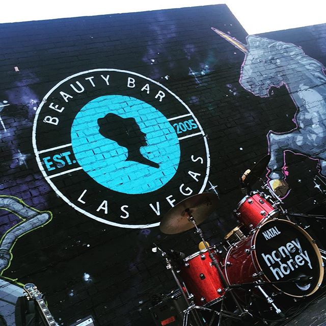 One hour from now this @honeyhoneyband tour will mount this unicorn and take off - join us!  #beautybar #vegas #honeyhoney #nataldrums #redsparkle #sincity