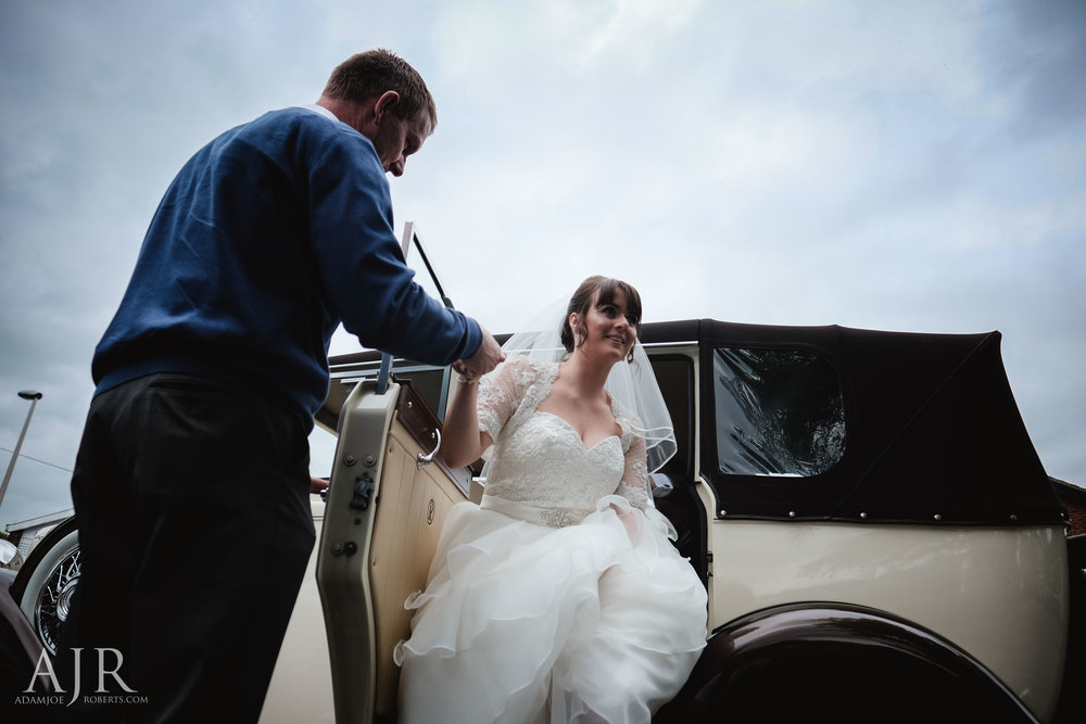 wedding photographer based in widnes cheshire wedding photography liverpool (3 of 9).jpg