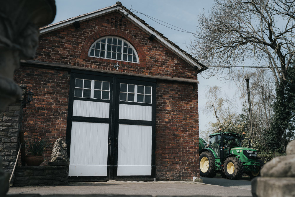 farm wedding in cheshire wedding photographer based in liverpool  (1 of 36).jpg