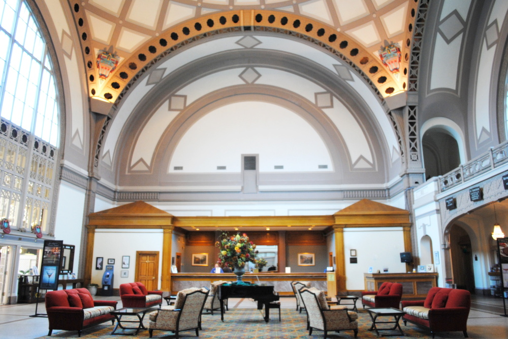 ChattanoogaHotelLobby.jpg
