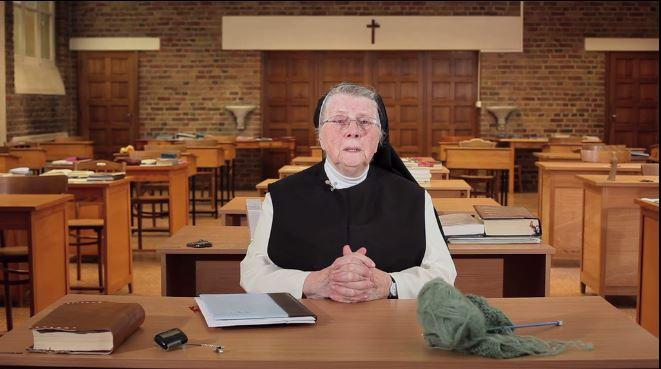 sr Marie-Francis avait été interviewée par Elisa Mignot et Raphaëlle Thomas pour le webdocumentaire réalisé en 2011: Notre Dame du Net