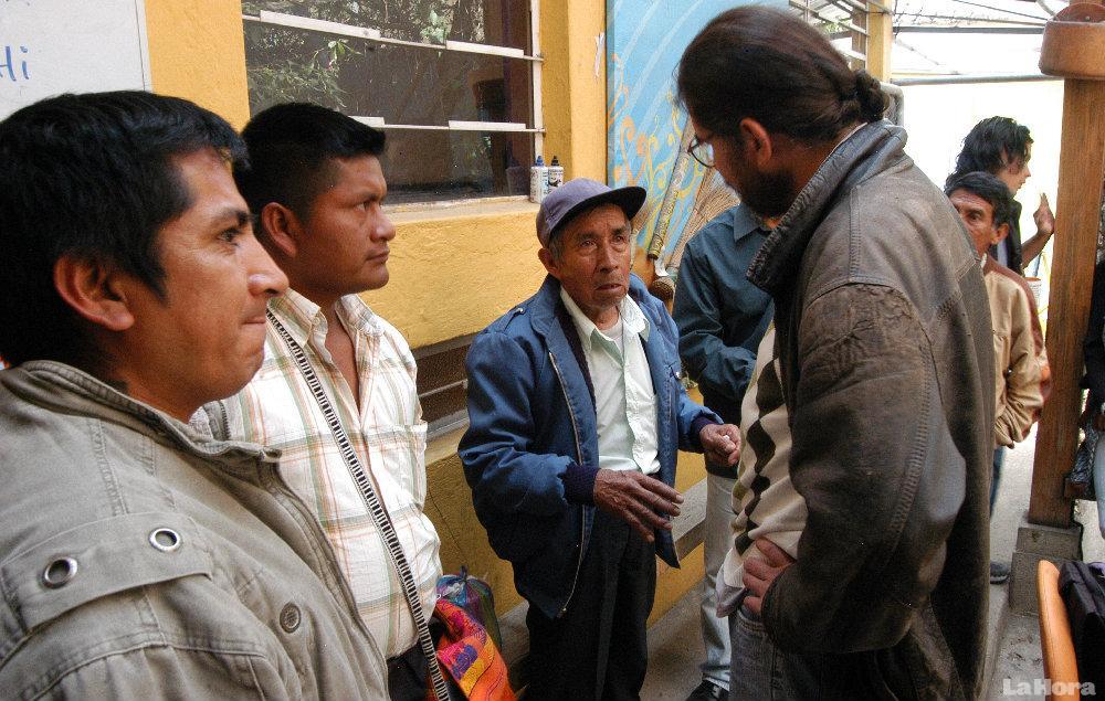 AFECTADOS. Un grupo de moradores de tundayme viajóa Quito para denunciar lo que les ocurrió