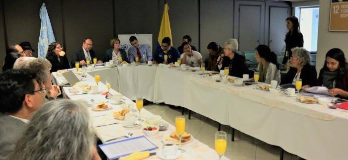 Foto: Katy Gilmore en reunión con organizaciones sociales. Fuente: Naciones Unidas