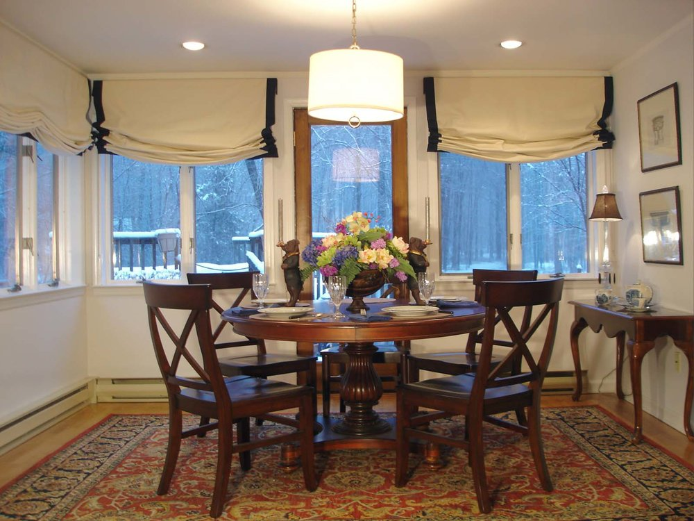 207 Old forge dining room.JPG