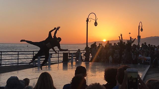 "#LAstory 💯 #sundayvibes #theartofdance @jacobjonasthecompany @dancecamerawest ""To the Sea Dance Concert"" // #MovementCenterLa 🖤 #art #motion"