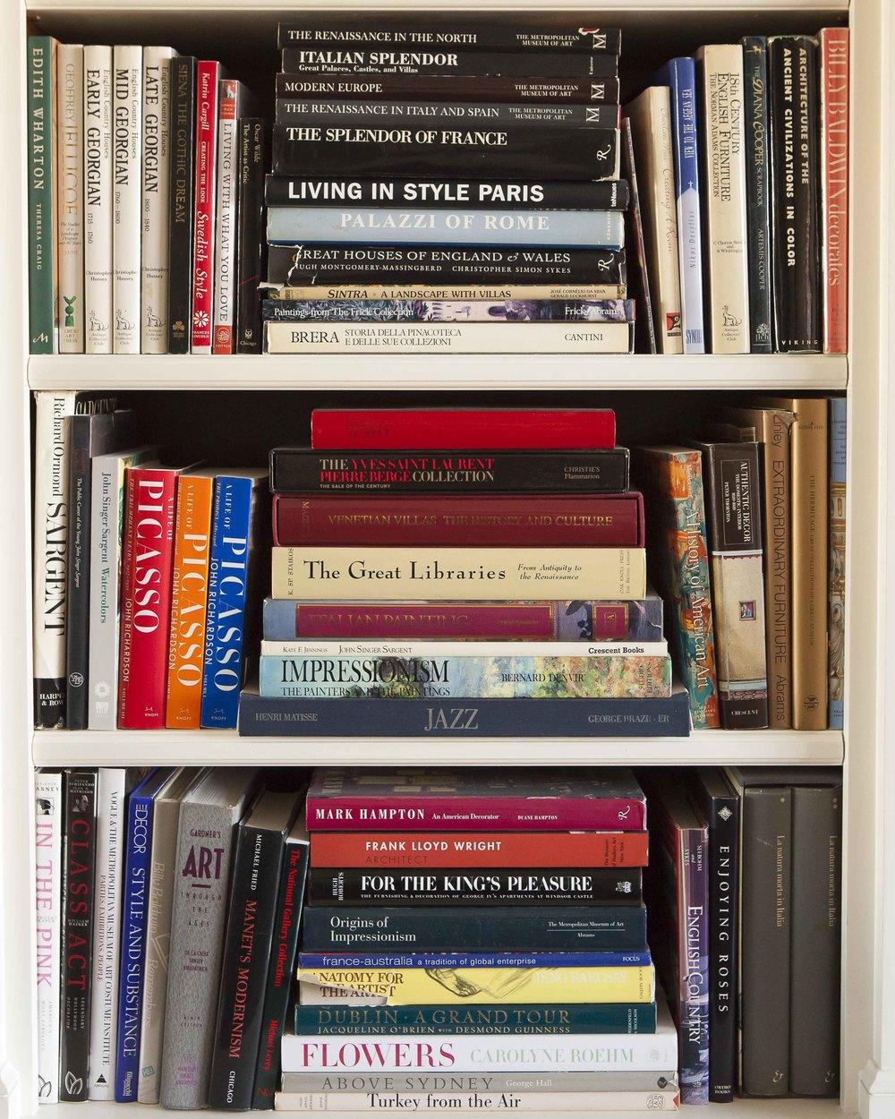 Alexa's Bookcase II 8397.jpg