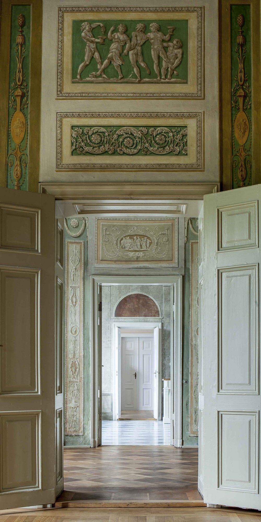 Palais Lichtenau Enfilade I 4488.jpg