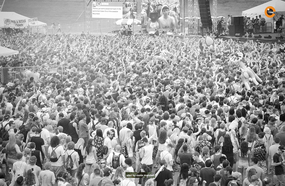 Soundset crowd ariel.png