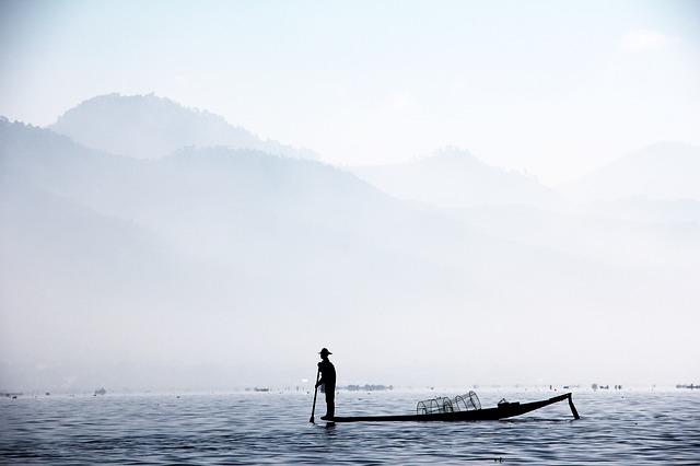 fisherman-1559753_640.jpg