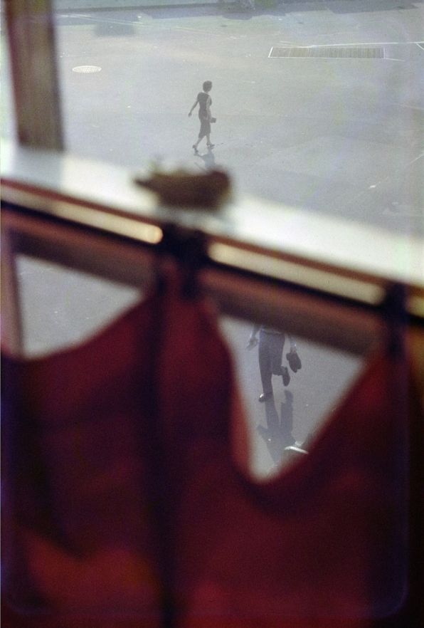 Red Curtain. Saul Leiter, NYC 1956.