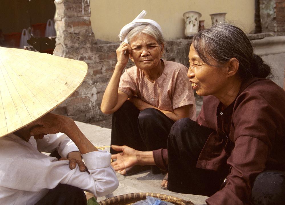 Conversation, Vietnam