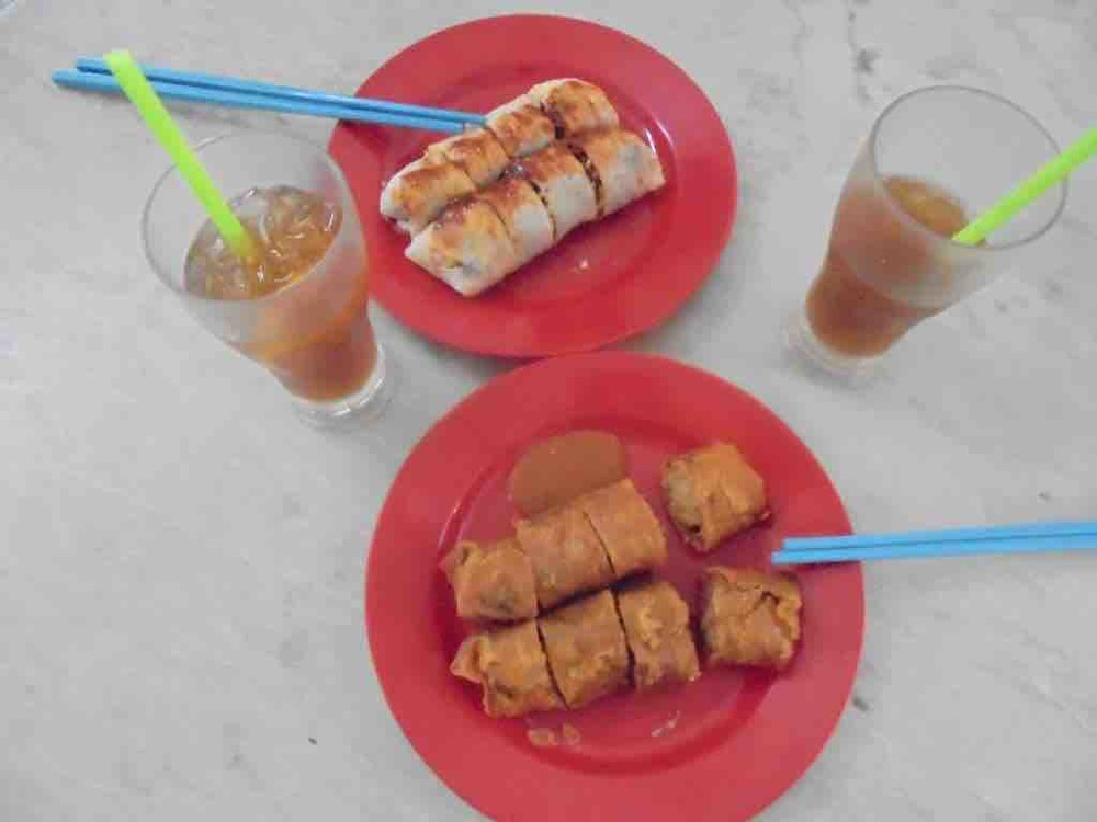 Plates of Popiah