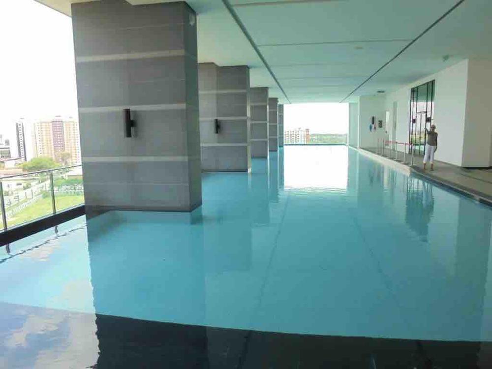 Mega infinity pool