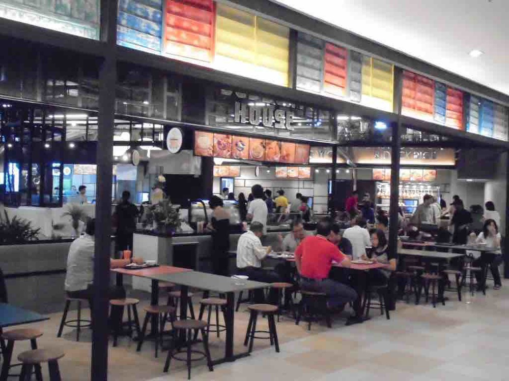 Crowded food court