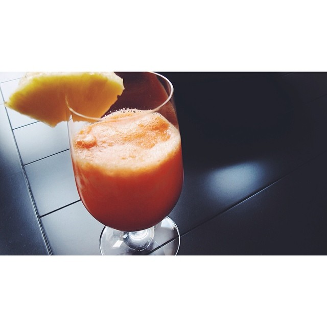 carrot apple ginger juice.jpg