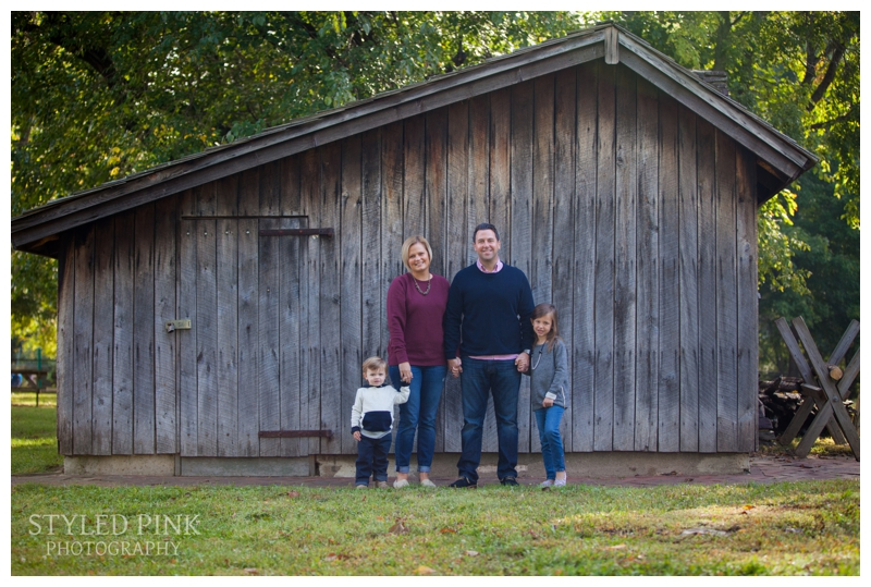 barclay-farmstead-styled-pink-photography-family-1