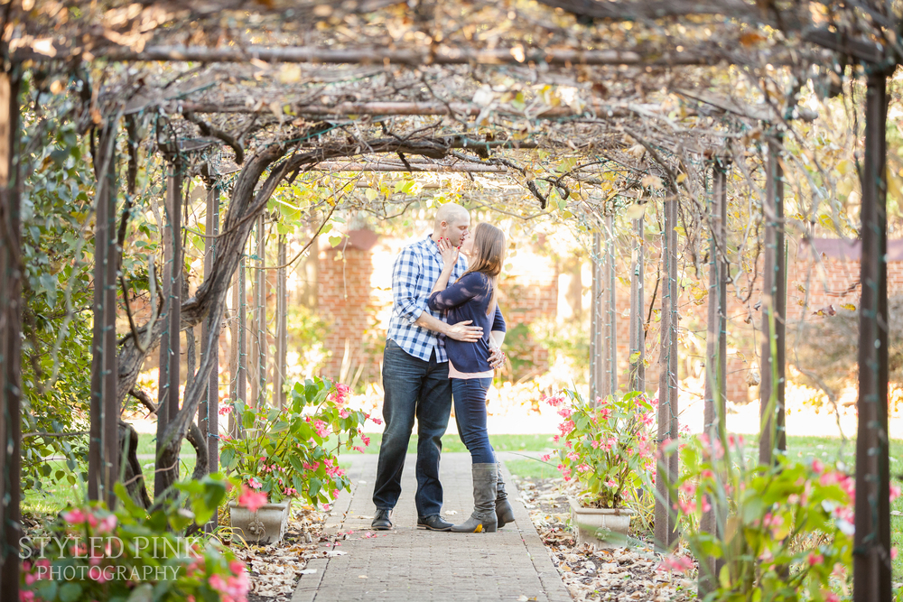 styled-pink-smithville-mansion-engagement-2