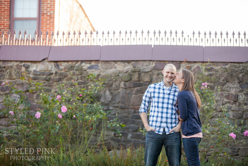 styled-pink-smithville-mansion-engagement-4