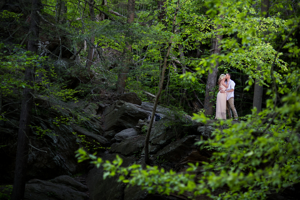 styled-pink-photography-wissahickon-trail-engagement.jpg