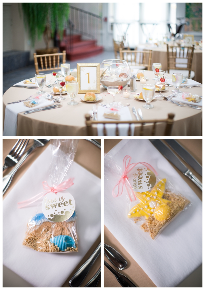 How cute are these adorable cookie favors that Samantha's aunt made?