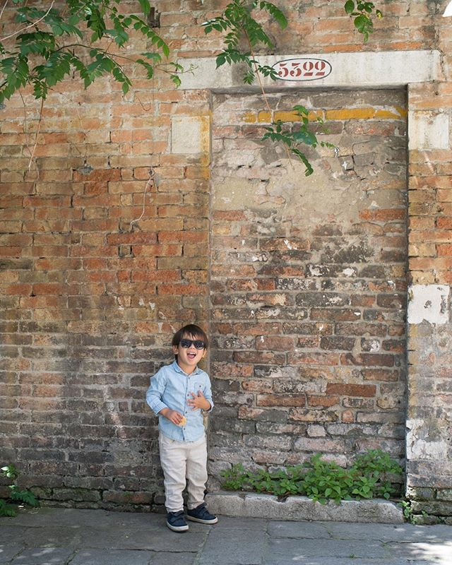 """Mama, where is the door?"" Love that he says ""ciao"" and calls me ""mama"" in Italy  #travelwithml  #barnabymaxwell"