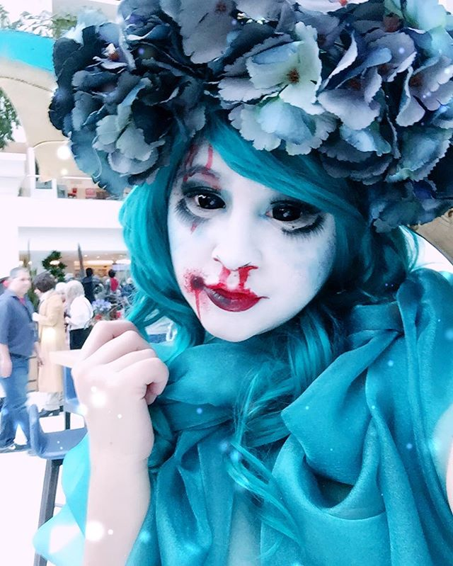 💥MY MEET UP IS TONIGHT AT 10 PM. Right on the atrium level convention side, right by the dealers room entrance and lost and found!! Comment any questions!!! PIZZA WILL BE THERE!!!! 🍕💥 VAPE NAYSH Y'ALL!!! 💦 I'm in Vaporeon with makeup designed by the incomparable @porcelainette 😍😍💖💝💝 Thank you Skye!!! I can't wait to show you some of the amazing pics we got!!! 💦💦💦
