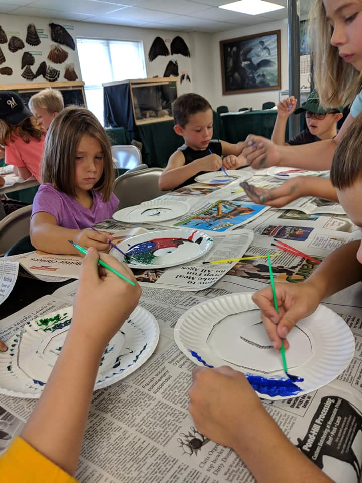 Campers learned about how intelligent scavengers are and why these animals need enrichment. The children created arts and crafts for the birds to play with.
