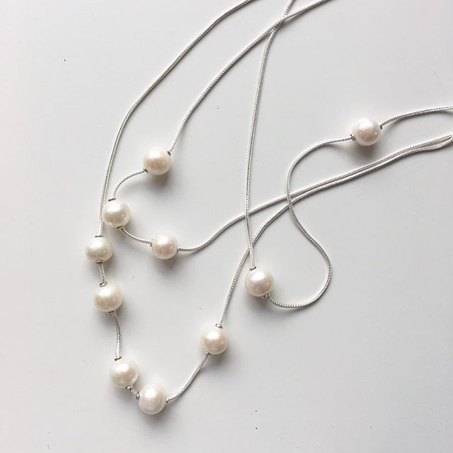 ⚪️ Pearls of summer ⚪️ back with a fresh chain style and new options -- online + instudio #megbyhand