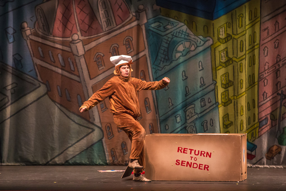 """Curious George in """"Curious George: The Golden Meatball"""" at TheatreWorks USA"""