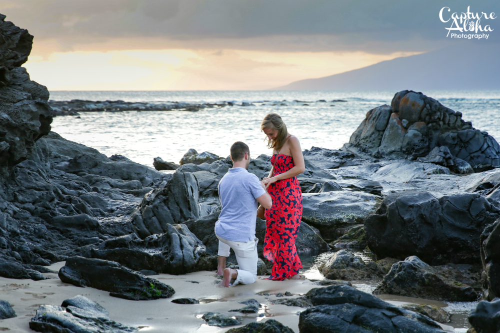 Mauiengagementphotography2.png