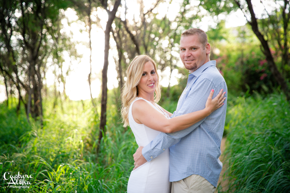 Maui Couples Photographer1.png