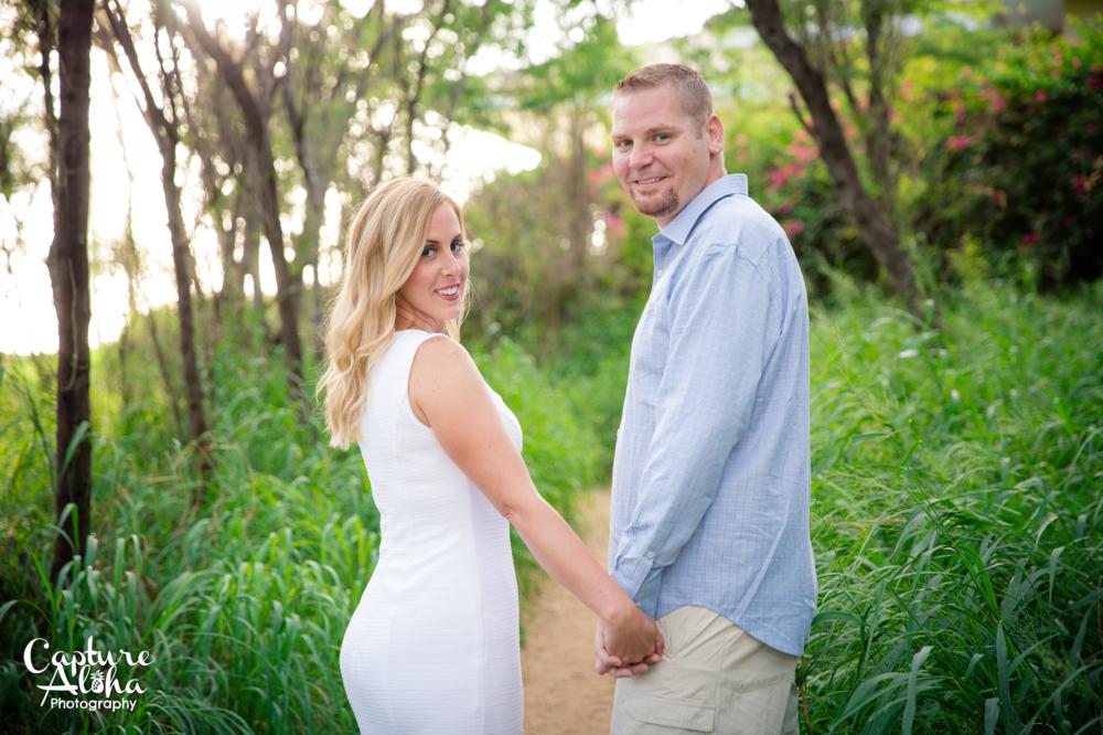 Maui Couples Photographer3.png