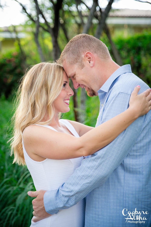 Maui Couples Photographer2.png