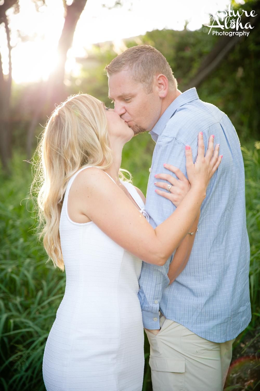 Maui Couples Photographer4.png