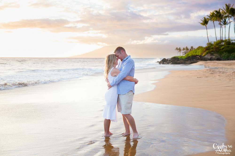 Maui Couples Photographer10.png