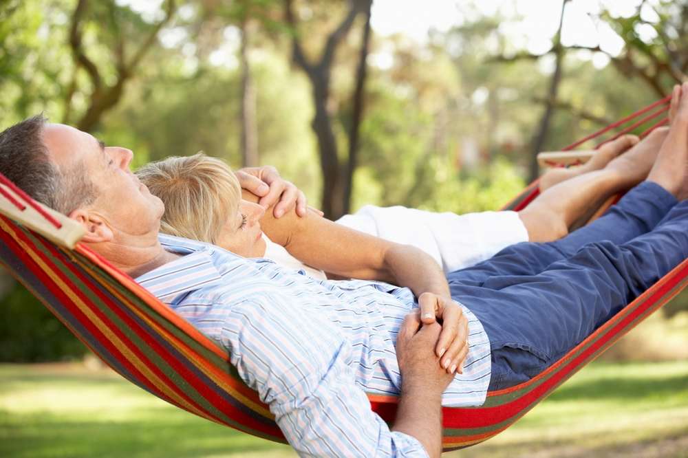 bigstock-Senior-Couple-Relaxing-In-Hamm-39679867 (1280x853).jpg