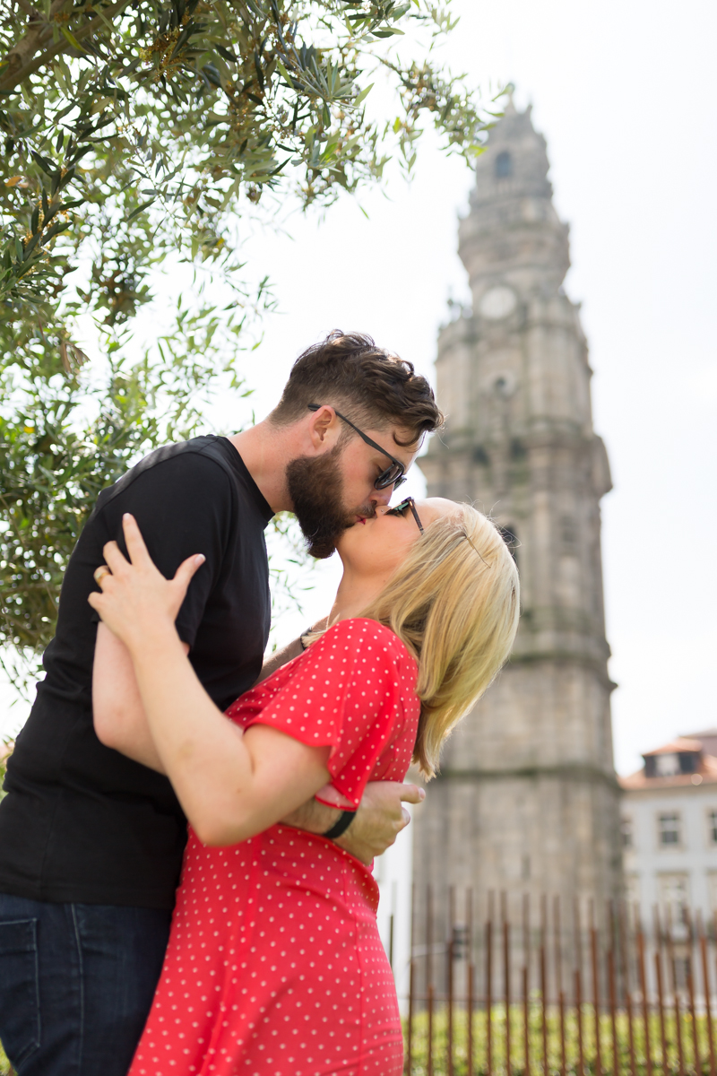 """""""What an amazing start to our honeymoon. We couldn't recommend Renata enough. So kinda and fun during our photoshoot... it's a must if you're in Porto!"""" - Seamus Bismarck MacStiofáin"""