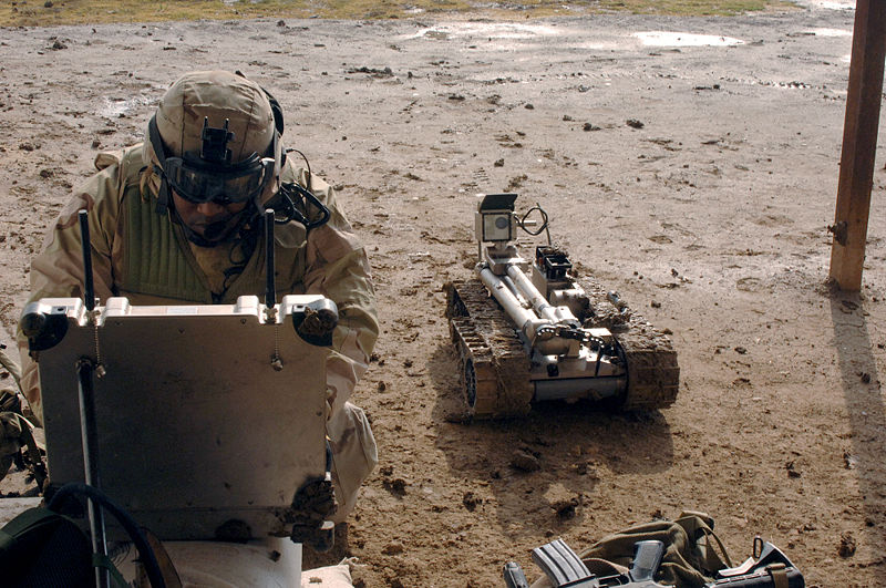 800px-Military_robot_being_prepared_to_inspect_a_bomb.jpg
