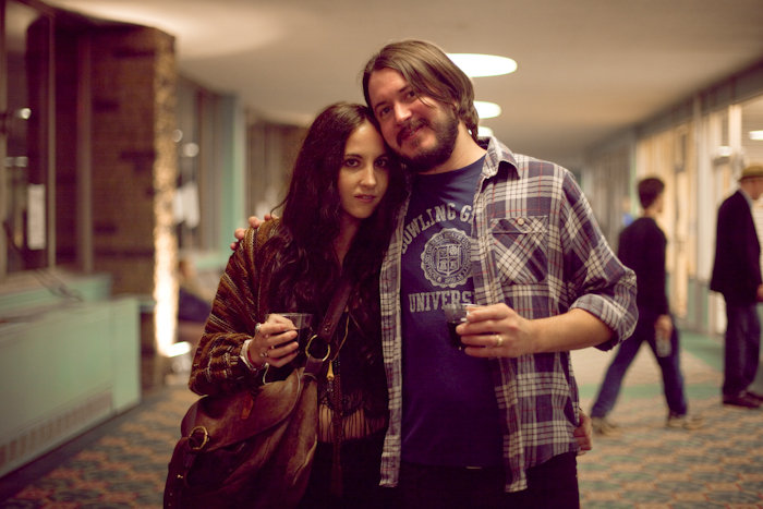bobowoodlake :      cradletograve :     the love of my life.   all tomorrow's parties, new york, 2010  photo by natasja maria fourie     lovin is what they do best. mama & papa hunt!