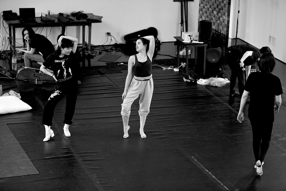 movement_rehearsals_Theo Adams Company players at Watermill_Theo Adams_©Al de Perez_all rights reserved_march_2012_no external_use_outside_Theo_Adams_Company_Internal_use_531_ 352.jpg