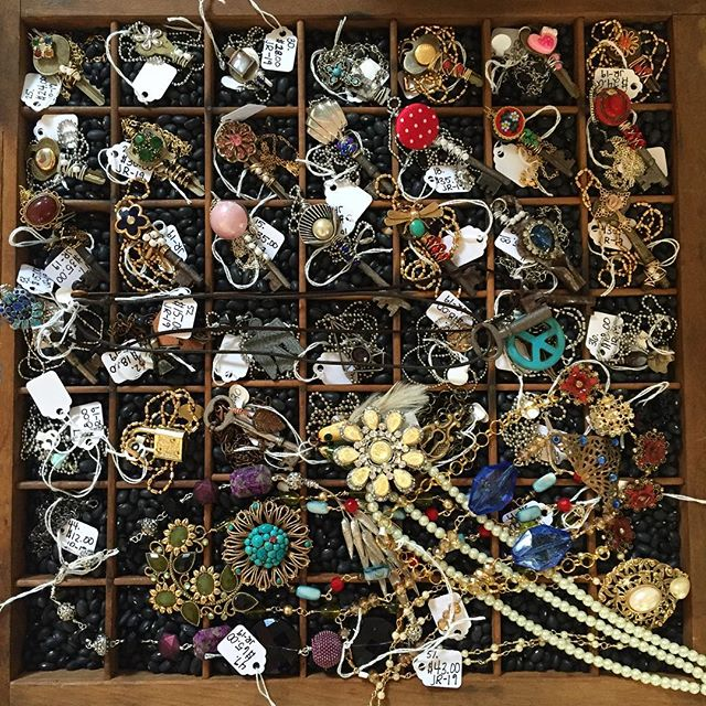 Just tagged all of these beauties!! I will now officially be selling my jewelry (& other oddities) at Antique Attics in Lake Grove! Make sure you go check it out! @antiqueattics #thekeytotheattic